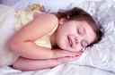 A apneia obstrutiva do sono é comum em crianças e pode afetar a pressão arterial e a saúde do coração