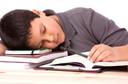 Associação do atraso na hora de início da escola com duração, tempo e qualidade do sono entre adolescentes