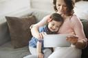 Associações entre o uso de telas e as habilidades de linguagem infantil