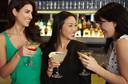 BMJ: consumo de álcool entre mulheres já é quase igual ao dos homens