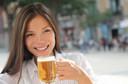 BMJ: ingestão moderada de bebida alcoólica pode ajudar a reduzir a incidência de artrite reumatoide em mulheres