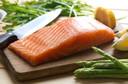 Consumo de peixes marinhos n-3 PUFA foi associado a um menor risco de câncer de mama em estudo de revisão publicado pelo BMJ