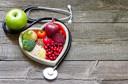 Dieta DASH para hipertensos e ingestão de sódio podem reduzir o ácido úrico em pacientes com hiperuricemia