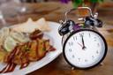 Jejum intermitente de alimentação com restrição de tempo conferiu apenas redução modesta de peso, e muito do peso perdido pode ter sido de músculos