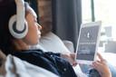 Limitar o tempo de tela para adultos jovens após uma concussão resulta em menor duração dos sintomas