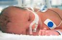Procalcitonina é melhor do que a PCR e contagem de leucócitos para prever infecção bacteriana em bebês febris, com menos de três meses, publicado pelo Journal Watch Pediatrics and Adolescent Medicine
